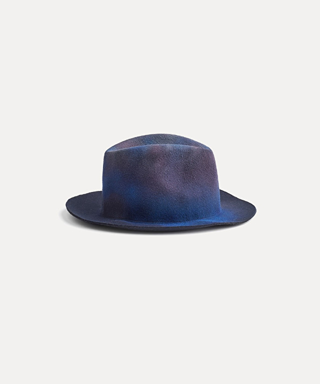 unevenly dyed hat