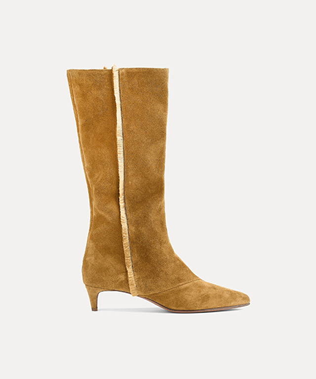 pointy suede boot