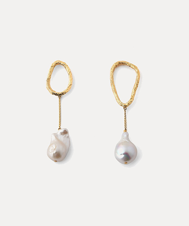 sculpted asymmetrical earrings with pearls